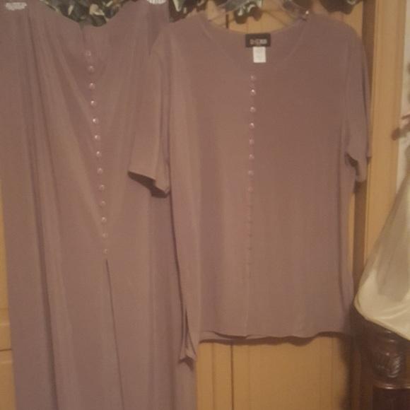 ES-SE USA Dresses & Skirts - ES-SE plus USA beige skirt suit